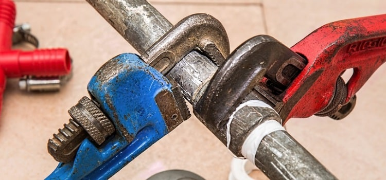 Plombiers d'urgence à votre service 24 heures par jour